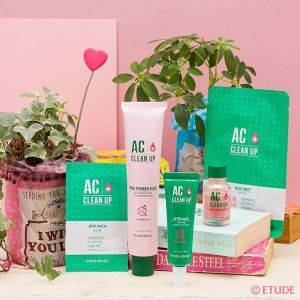 https://www.instagram.com/p/BLIMDoiAqQW/?taken-by=etudehouse_jp (7067)